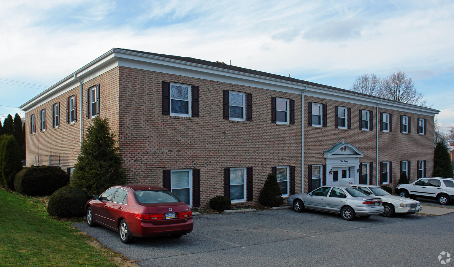 420 N Park Road in Wyomissing PA is a commercial property with office space available for lease. Contact Kent Wrobel, commercial realtor in Berks County, PA to learn more.