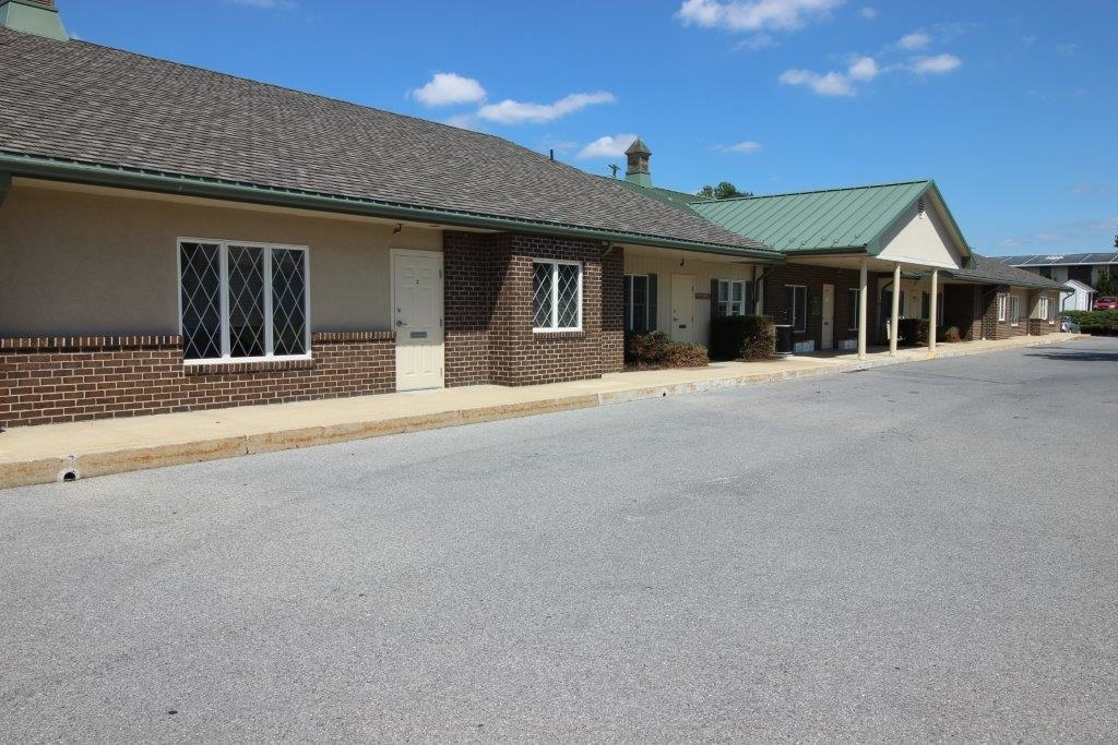 320 Abington Drive in Wyomissing PA is a commercial building available for lease. Contact Kent Wrobel, commercial realtor in Berks County, PA to learn more.