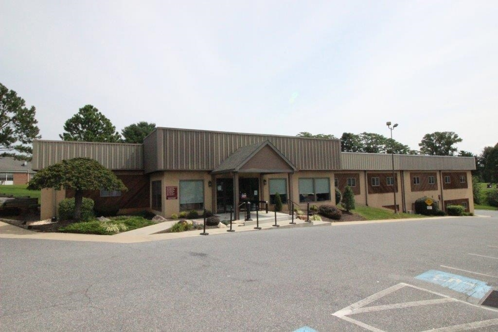 11 Fairlane Road in Reading PA is a medical/office building that is avaialble for leasing.